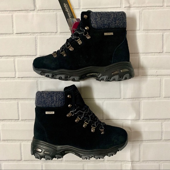 New women's Skechers Boots D Lites US 8 NWT
